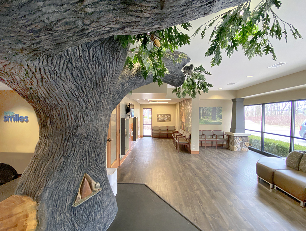Little Smiles Family Room Tree
